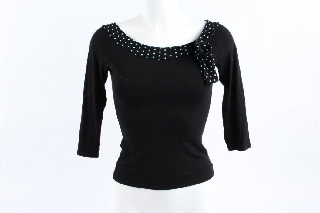 Dámský top černý s puntíkatým šálem Dámská trička a topy