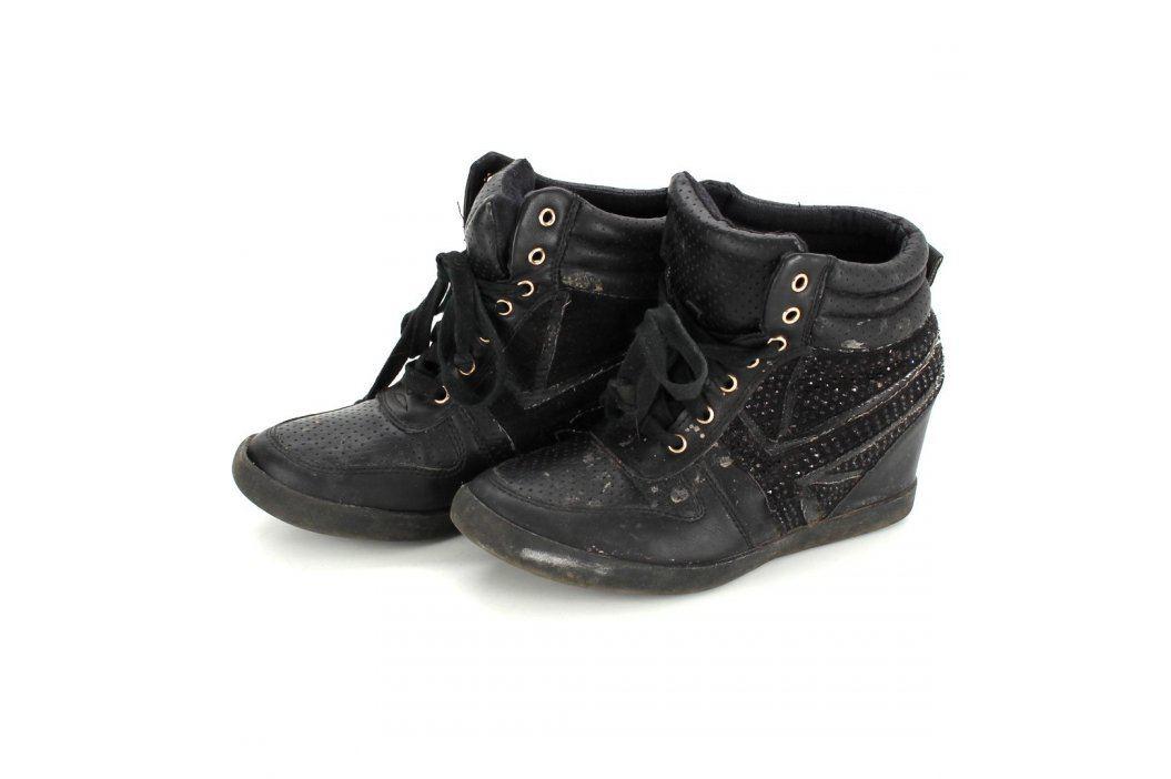 Dámská kotníčková obuv na klínku černá Zimní obuv