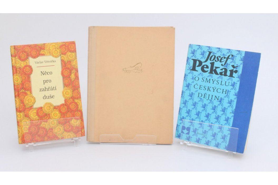 3 knihy - Větvička, Pekař, Dewetter Knihy