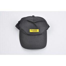 Kšiltovka s nápisem Western Union