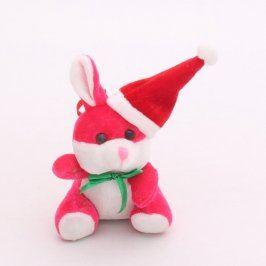Plyšový růžový zajíček s vánoční čepičkou