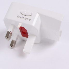 Redukce do elektrické zásuvky UK