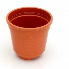 Plastový květináč oranžový