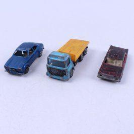 Modely aut 3 různé typy