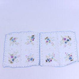 Kapesníky s modrým lemem a květinami 2 ks