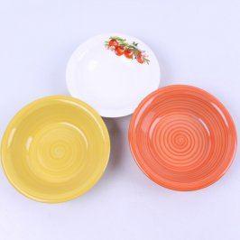 Sada talířů 3 barev a tvarů