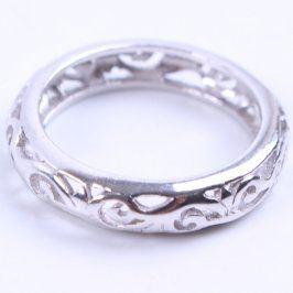 Dámský prsten stříbrný s vyrytými ornamenty