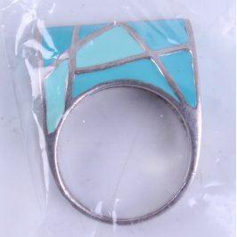Dámský prsten s modrým zdobením