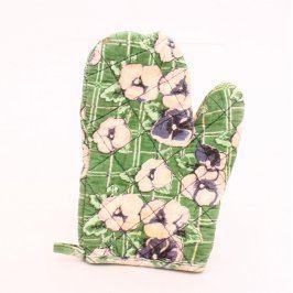 Chňapka s květinovým motivem