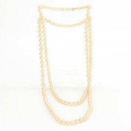 Dlouhý náhrdelník z umělých perel