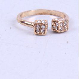 Dámský prsten zlaté barvy s krychličkami