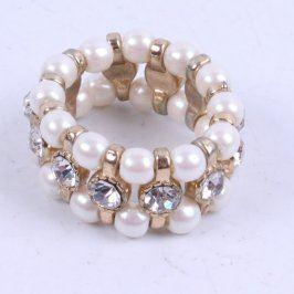 Dámský prsten z umělých perel a kamínků