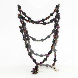 Dlouhý náhrdelník s kamínky a korálky