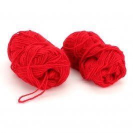 Vlna syntetická červená na pletení