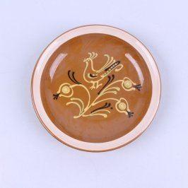 Keramický talíř s lidovým motivem