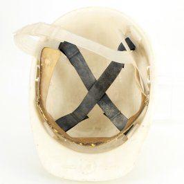Ochranná helma bílé barvy