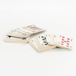 Hrací karty v plastovém obalu