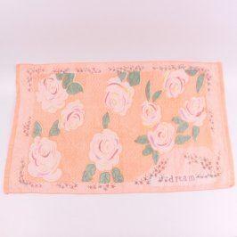 Oranžový ručník s motivem květin