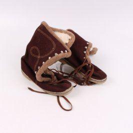 Dámské zimní boty na tkaničku odstín hnědé