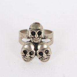 Dámský prsten se třemi obličeji