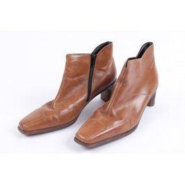 Dámské boty na podpatku Rieker hnědé