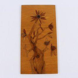Dřevěný obraz s motivem květiny