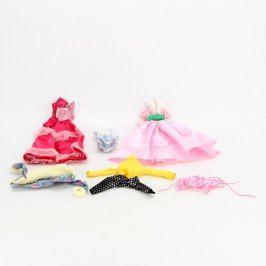Oblečky pro panenky různých druhů