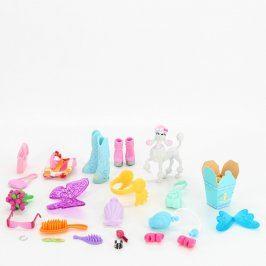 Sada doplňků pro panenky plastových