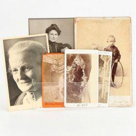 Sbírka černobílých fotografií