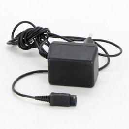 Nabíječka s neznámým hranatým konektorem