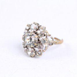 Dámský prsten s několika kameny