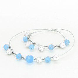 Sada s bílými a modrými kamínky