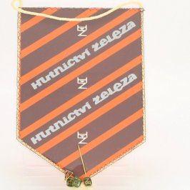 Odznaky a vlaječka Hutnictví železa