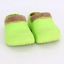 Dětské papuče zelené barvy