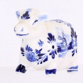 Porcelánová slánka ve tvaru krávy