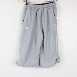 Tříčtvrteční kalhoty Umbro odstín šedé
