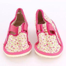 Dětské bačkory růžové s drobnými kvítky