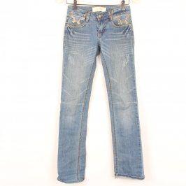 Dívčí džíny odstín modrés ozdobnými kapsami