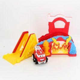 Auto s garáží hasičské červené