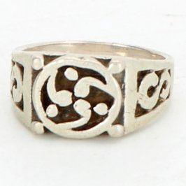 Dámský prsten stříbrný se vzory