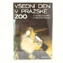 Naučná kniha Všední den v pražské zoo