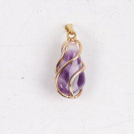Přívěsek s fialovým kamínkem v krabičce