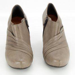 Dámské kotníčkové boty na podpatku béžové