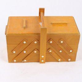Dřevěný kufřík na šití 37 x 18 cm