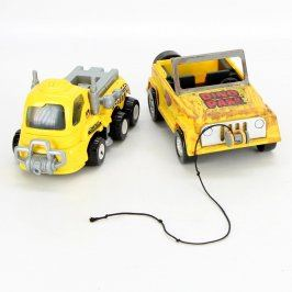 Modely plastových aut - jeep a náklaďák