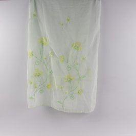 Záclona světle zelená s květinovým vzorem