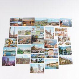 Sada pohlednic z mnoha zemí