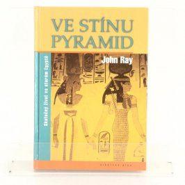 Historická kniha Ve stínu pyramid