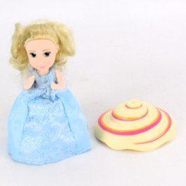 Panenka v modrých šatičkách s kloboučkem