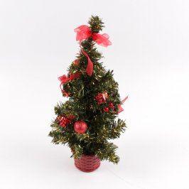 Vánoční dekorace ozdobený stromeček